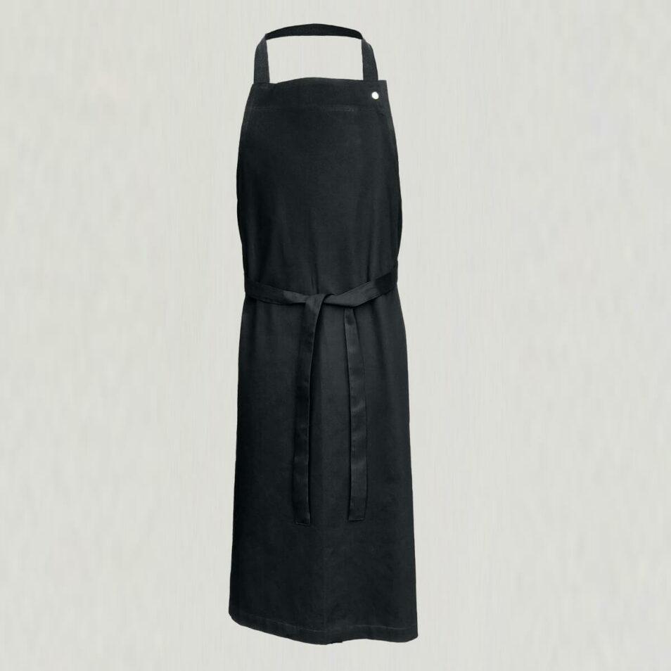 langt forklæde i sort med smæk
