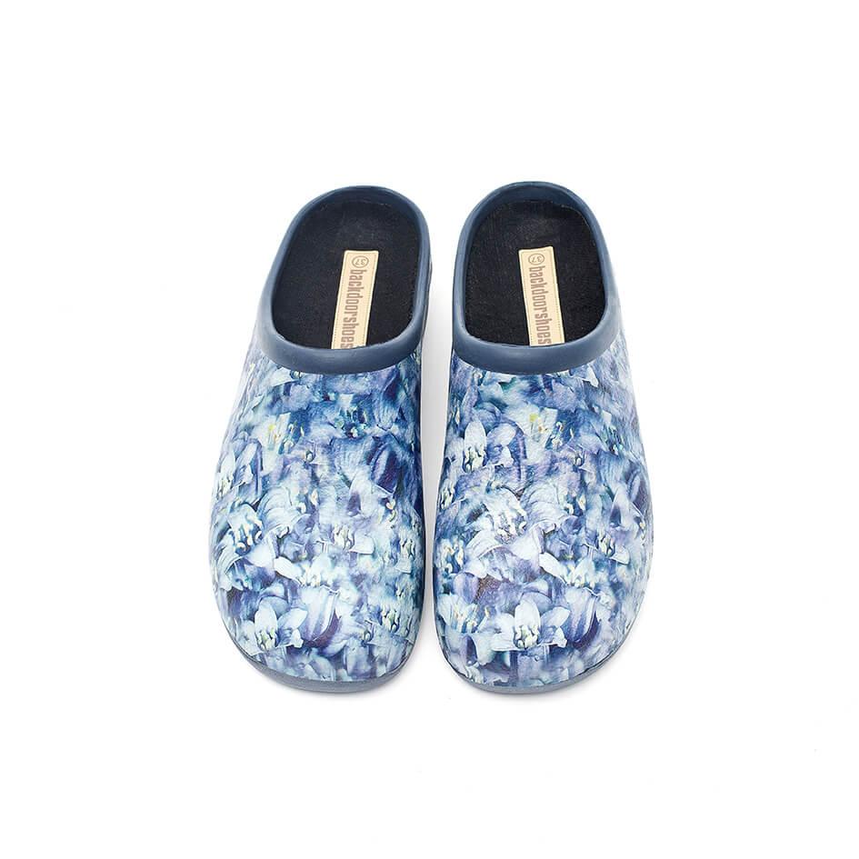 Havesko, Backdoorshoes, med smukke, blå klokkeblomster