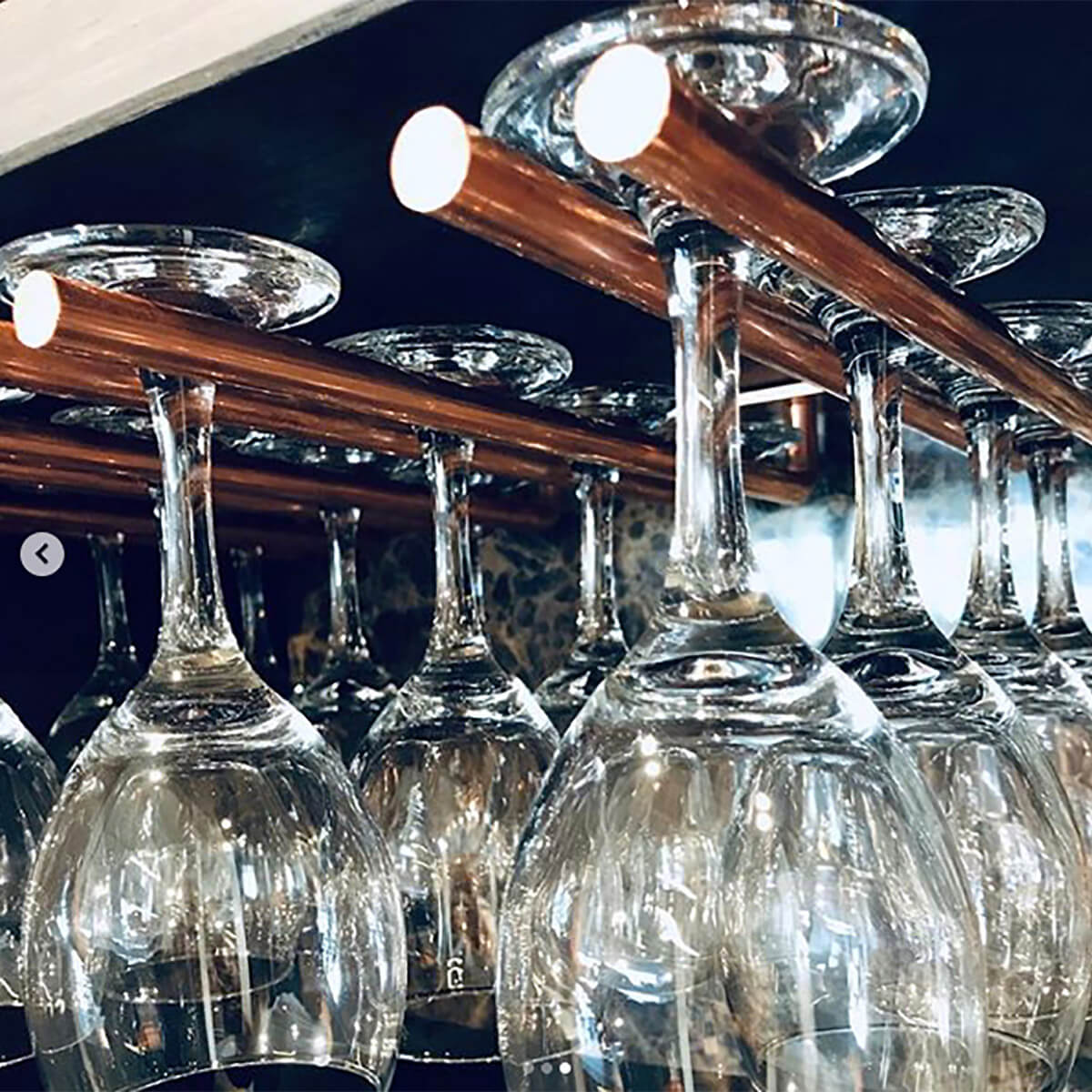 Picture of: Glasholder I Rustikt Rat Look Til Vinglas Dansk Design Fra Erbs Studio